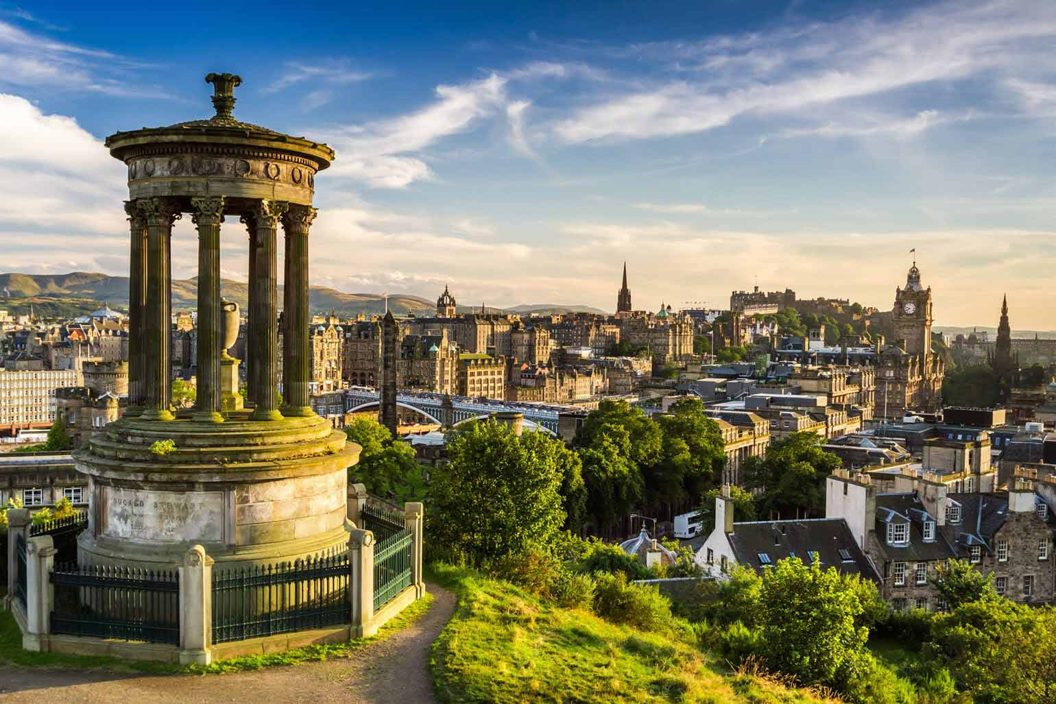 Beautiful view of the city of Edinburgh.